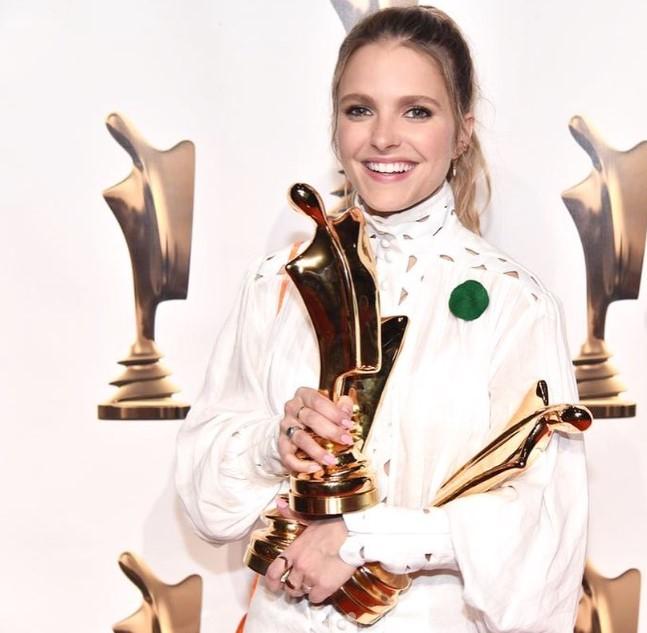 Sarah-Jeanne Labrosse  awards