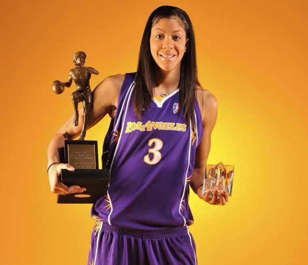 Candace Parker with her award
