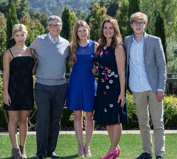 Bill Gates and Melinda Gates with their Children