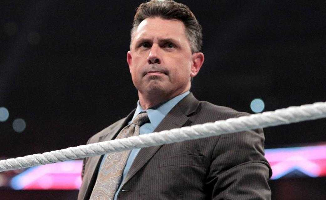 Michael Cole Height