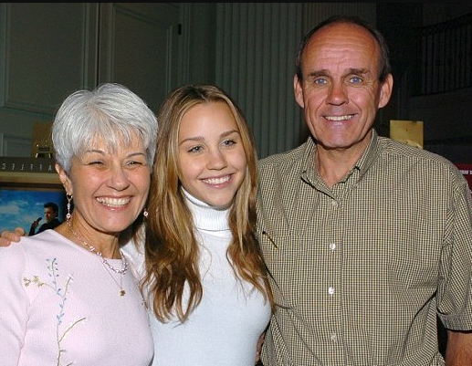 Amanda Bynes With Her Parents