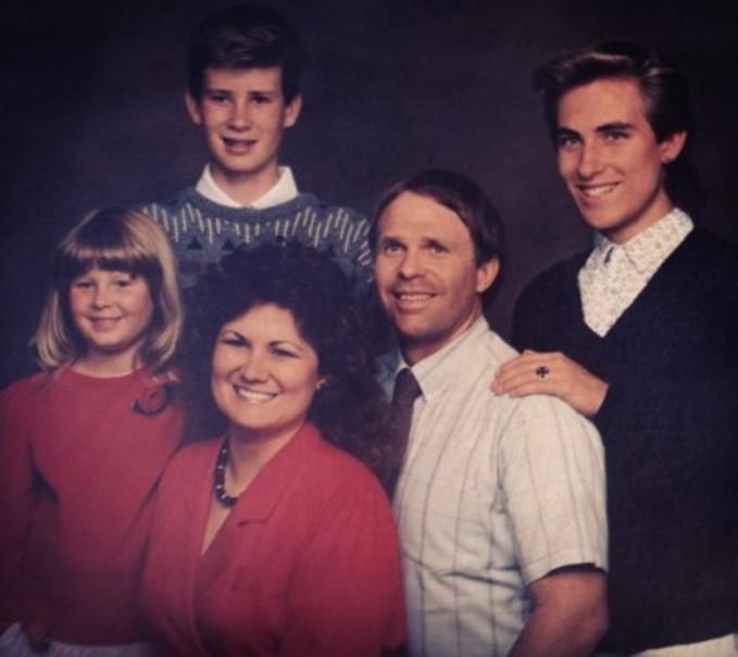 Tom Delonge Parents