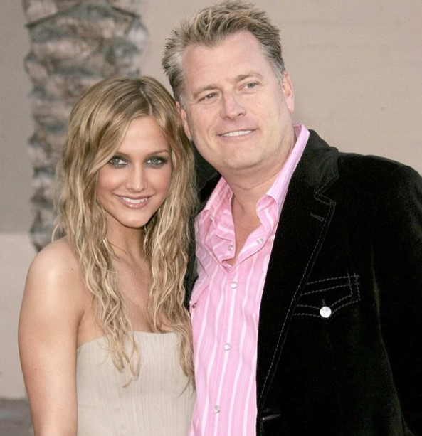 Ashlee Simpson father