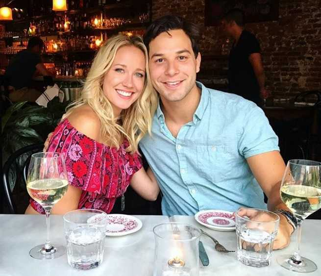 Skylar Astin and Anna Camp 1