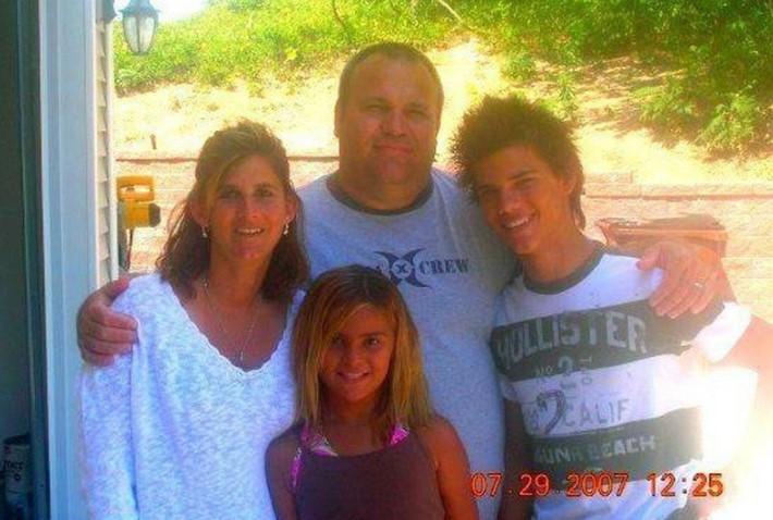 Taylor Lautner family