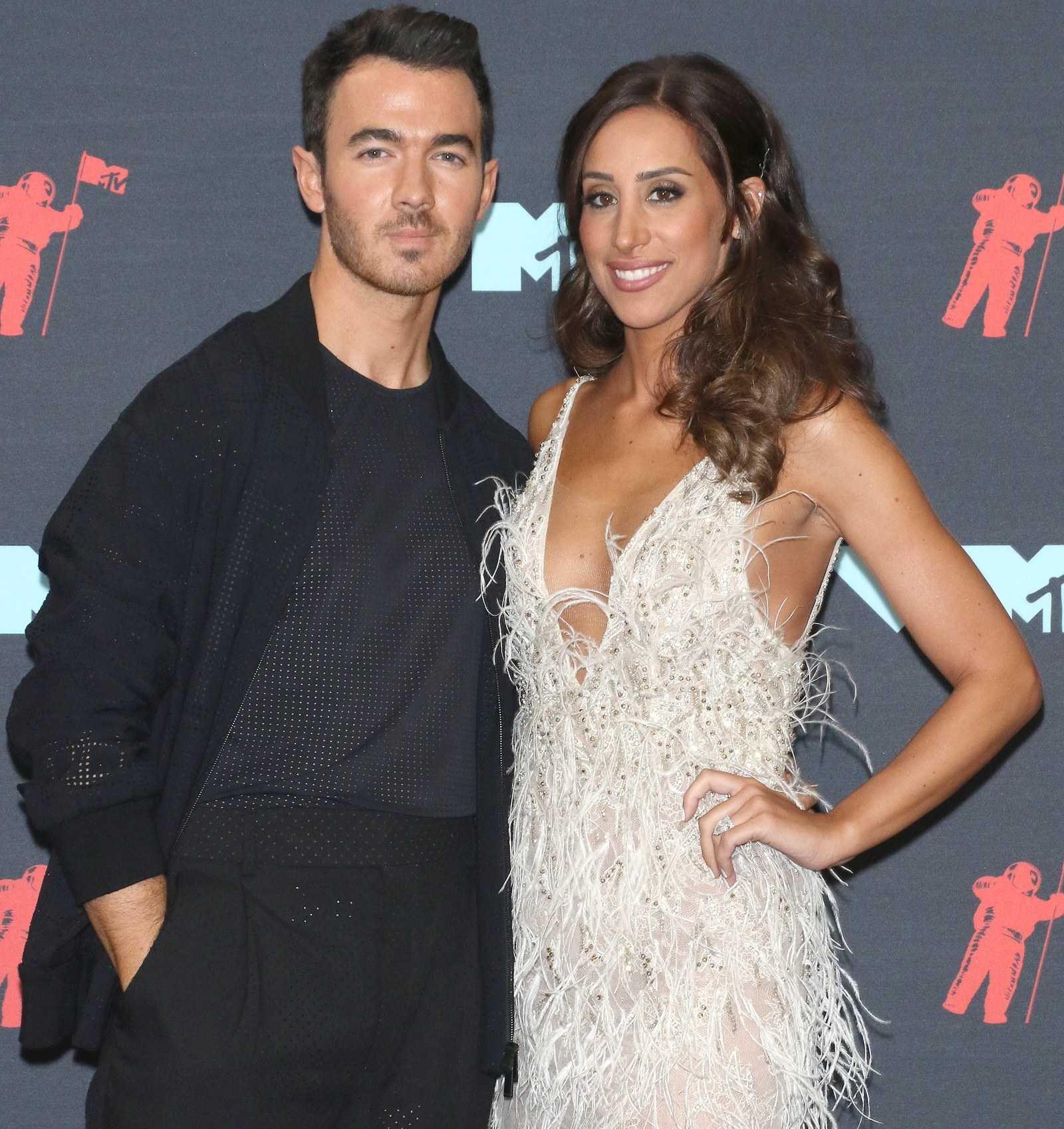Danielle Jonas Married