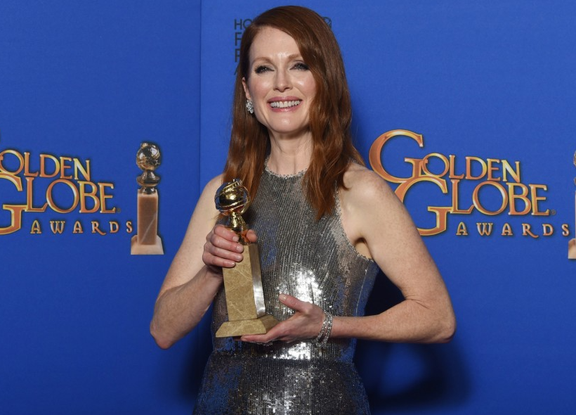 Julianne Moore with her Award