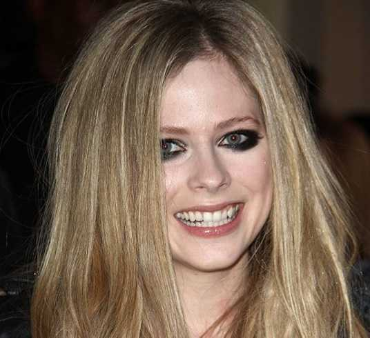 Avril Lavigne - Bio, Net Worth, Age, Songs, Complicated