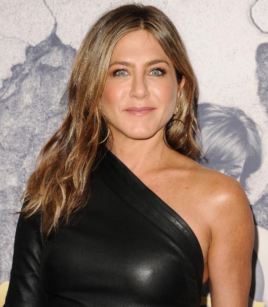 Jennifer Aniston - Bio...