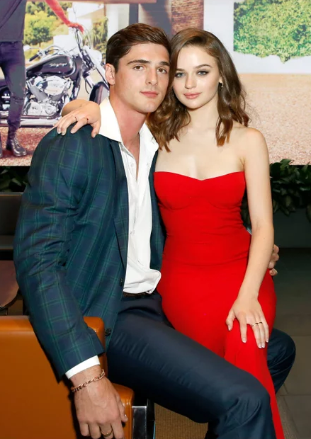 joey King and her Boyfrien 1