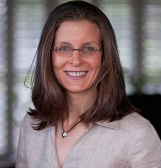 Clare Bronfman - Bio, Net Worth, Husband, NXIVM, Fiji