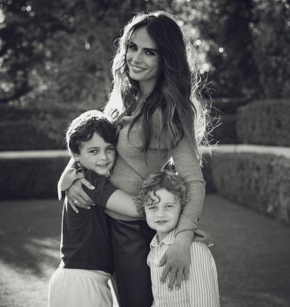 Jordana Brewster with her kids
