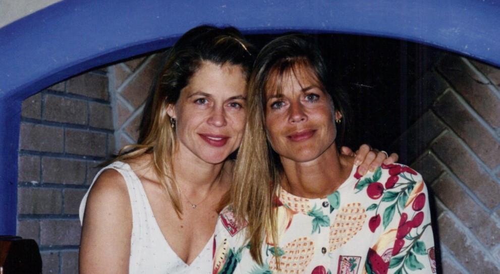 Linda Hamilton twin sister
