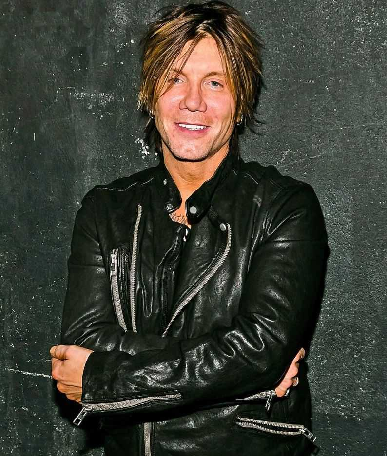 The Goo Goo Dolls Were Never The Cool Kids, But They're Still Standing