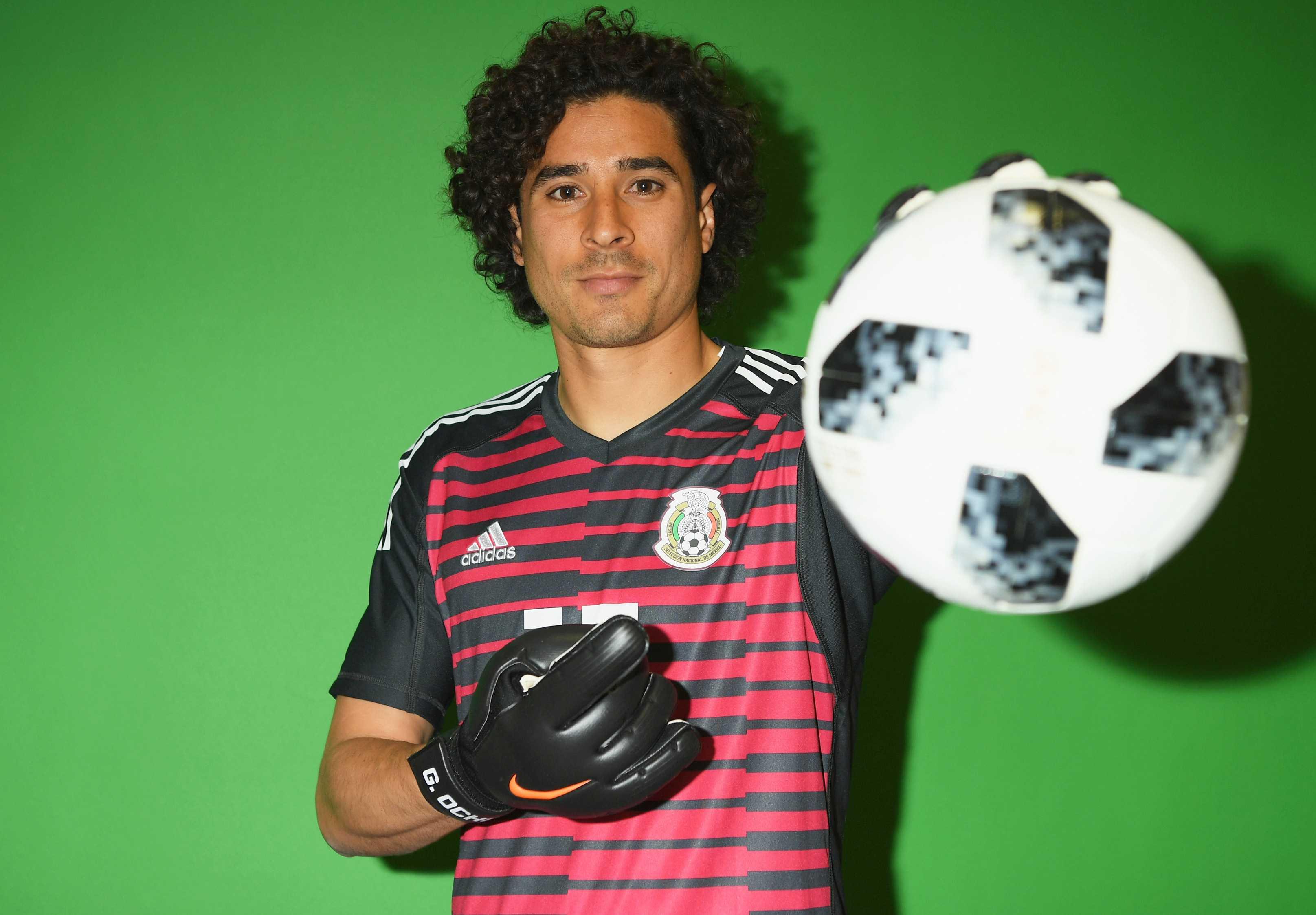 Guillermo Ochoa Career