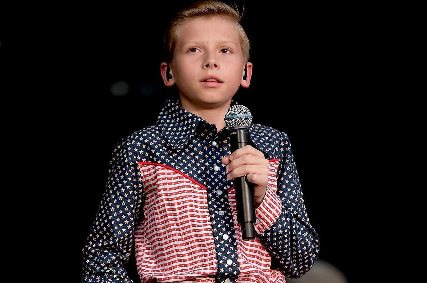 Mason Ramsey Performance