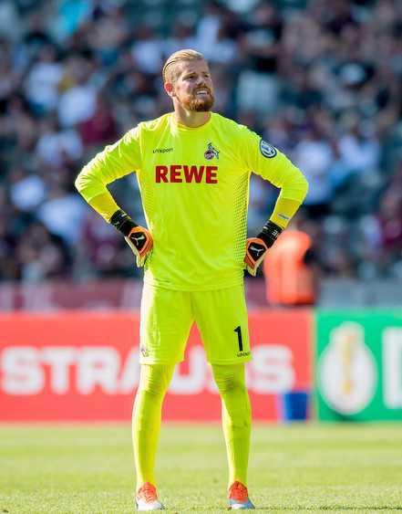 Timo Horn Height