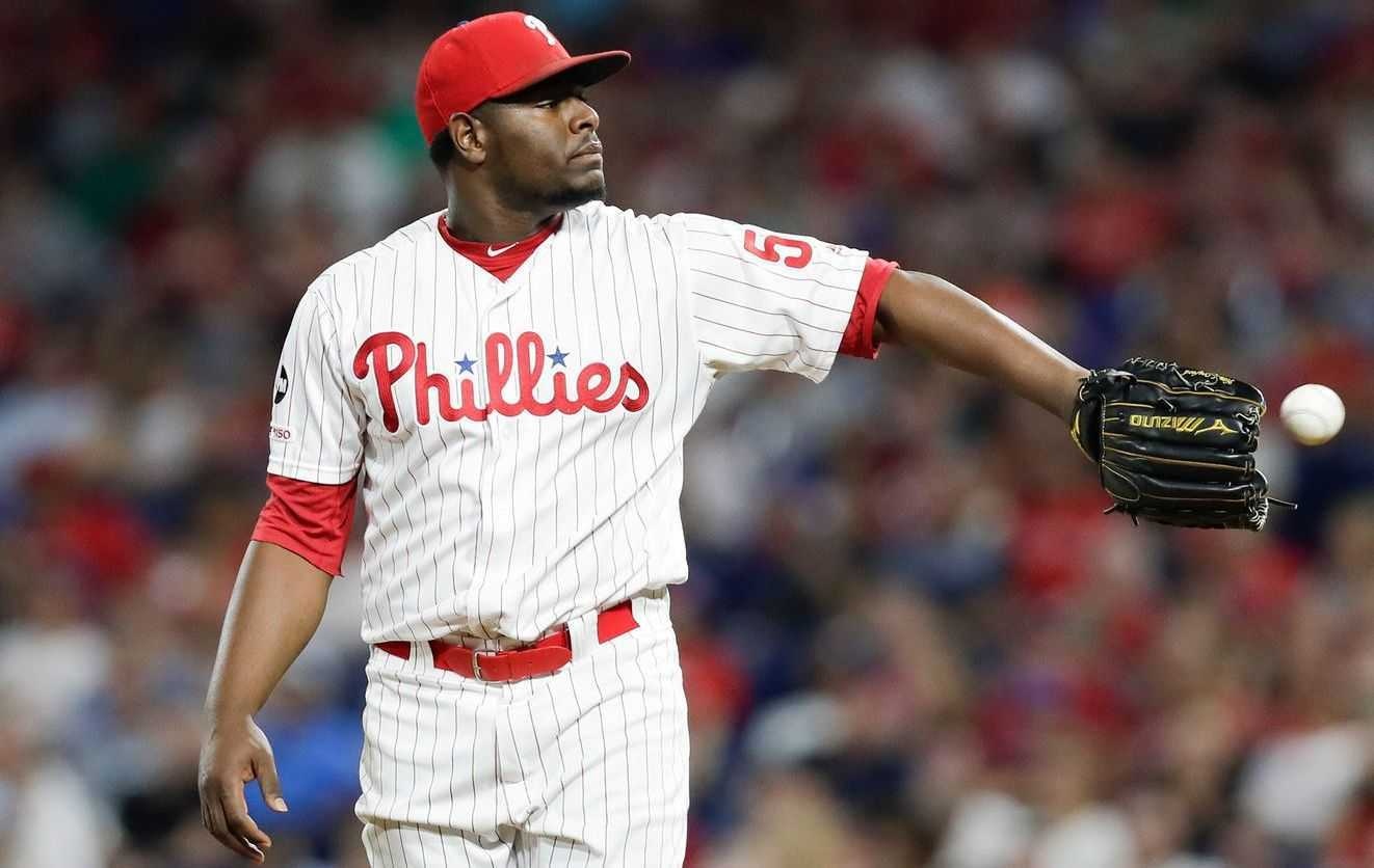 Hector Neris Position