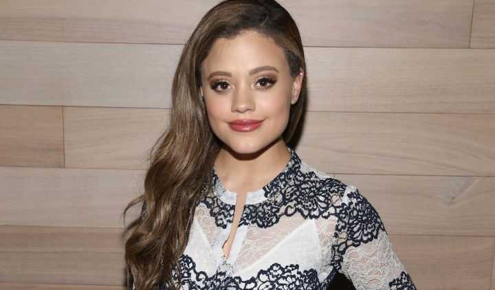Sarah Jeffery Height