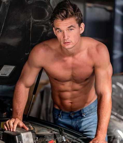 Tyler Cameron Height