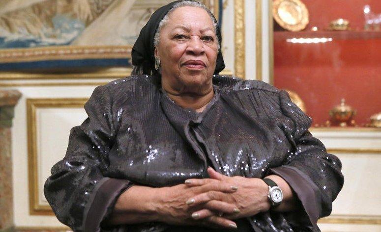 Toni Morrison Height