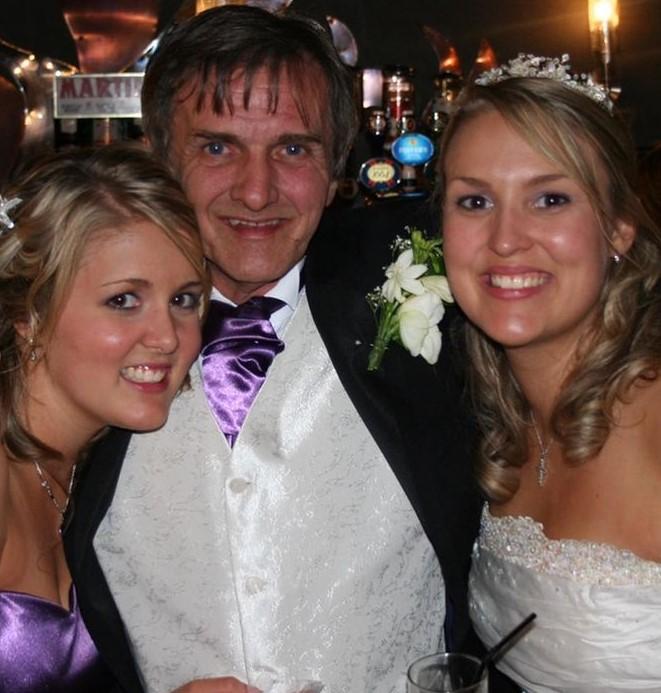Sara Davies father