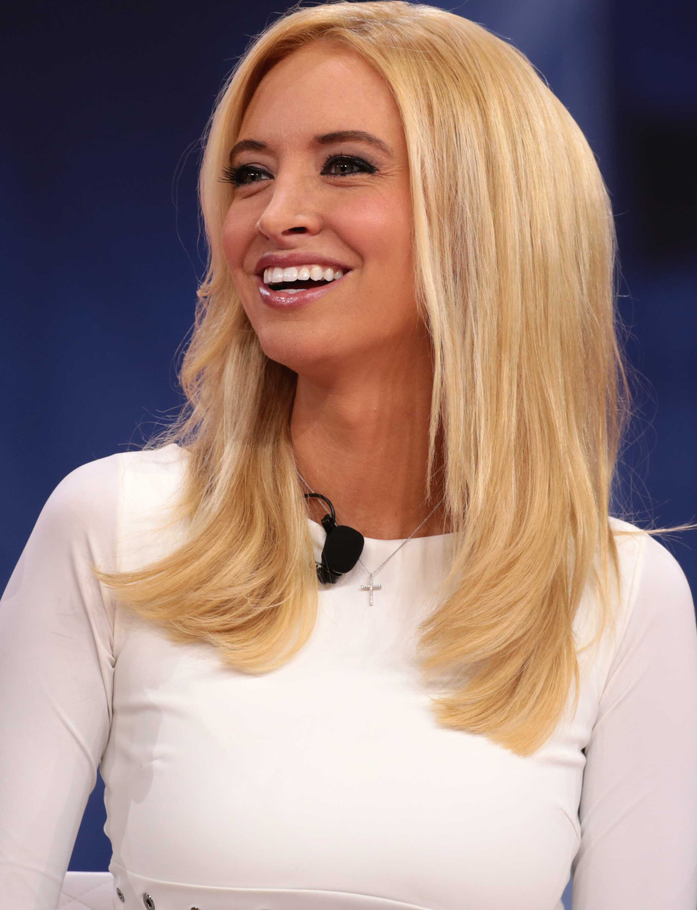 Kayleigh Mcenany Bio Net Worth Us Press Secretary Salary Education Married Husband Age Facts Wiki Family Nationality Height Parents Gossip Gist