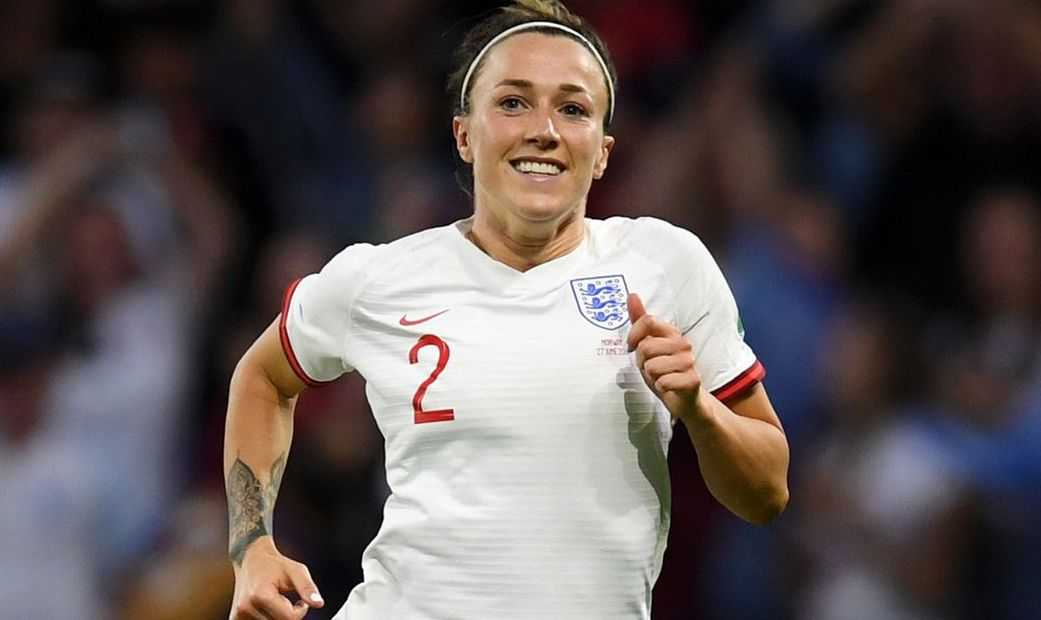 Lucy Bronze Height