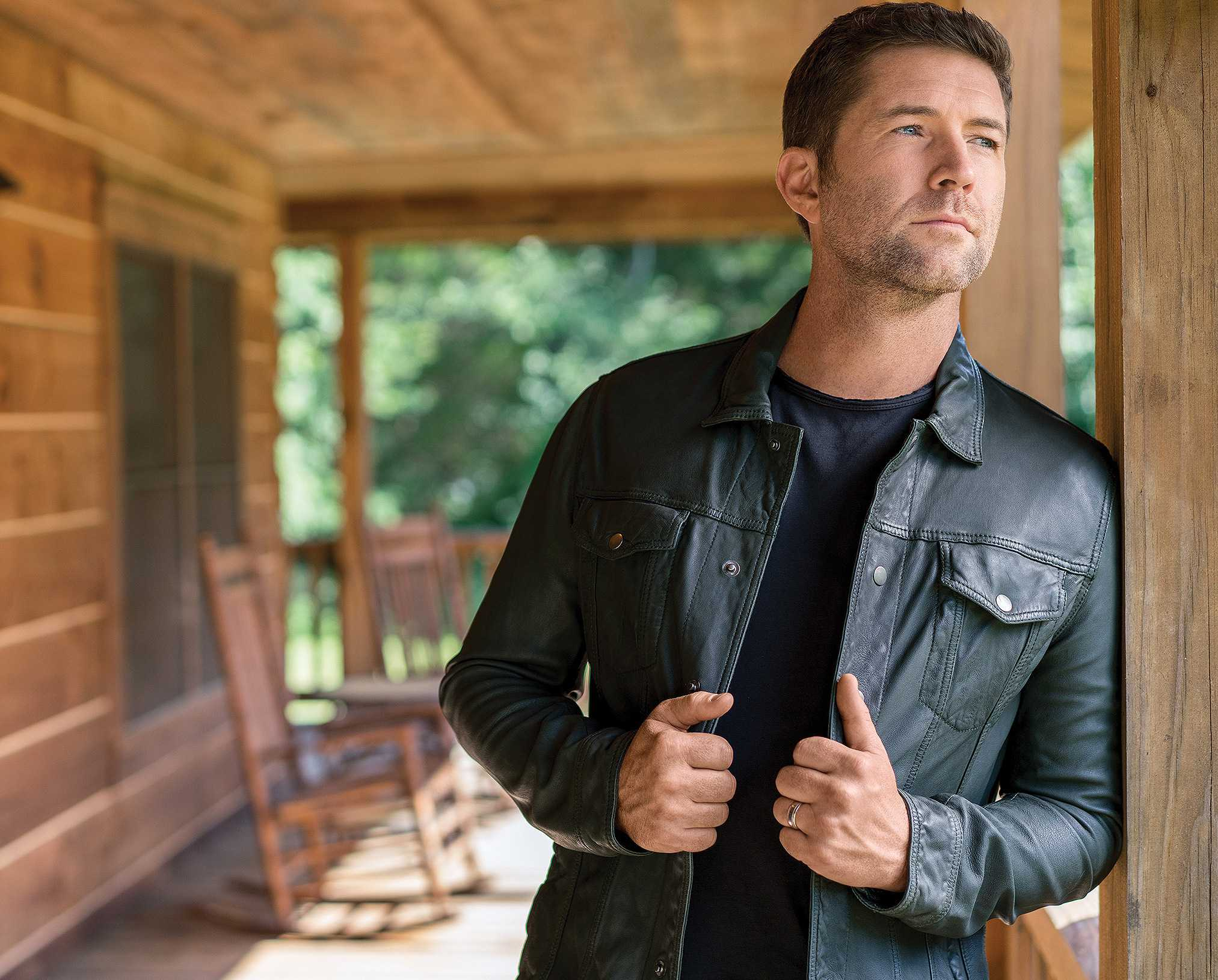 Josh Turner Singer