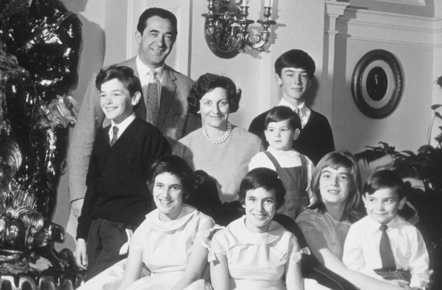 Ghislane Maxwell family