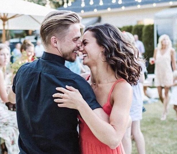 Hayley Erbert and Derek Hough Dating