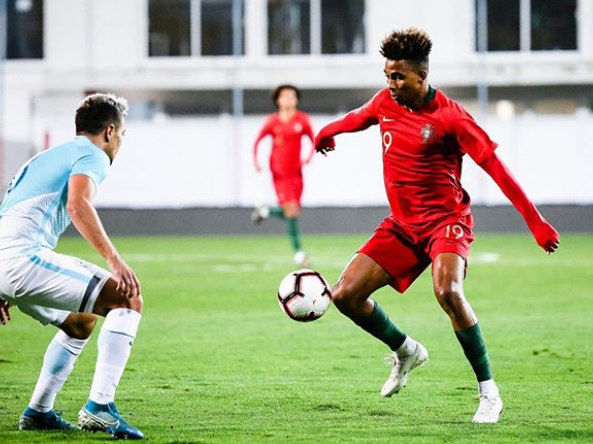 Gedson Fernandes Showing Skill With Ball