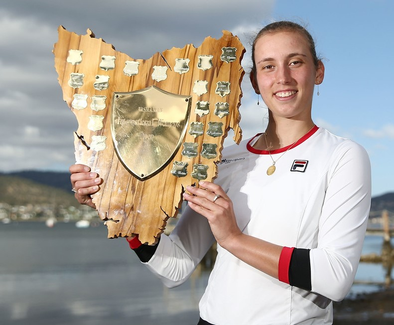 Elise Mertens Hobart Internatinal