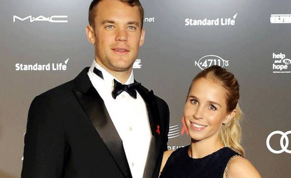 Manuel Neuer With His wife