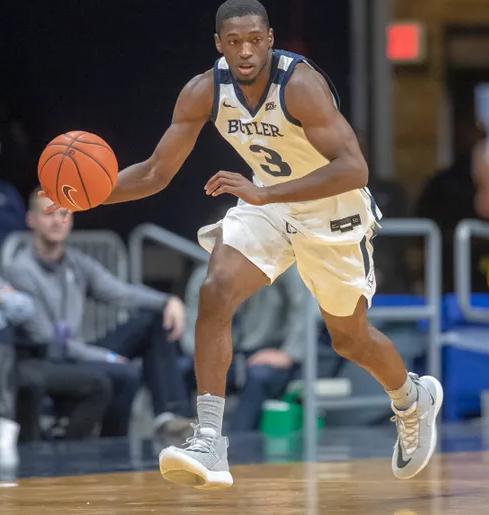 Kamar Baldwin With Basketball