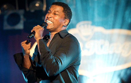 Babyface Singing in the stage
