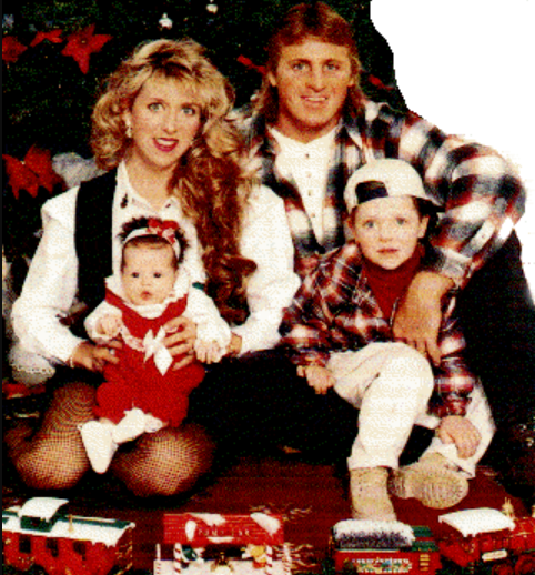 Owen Hart With His Wife and Childrens