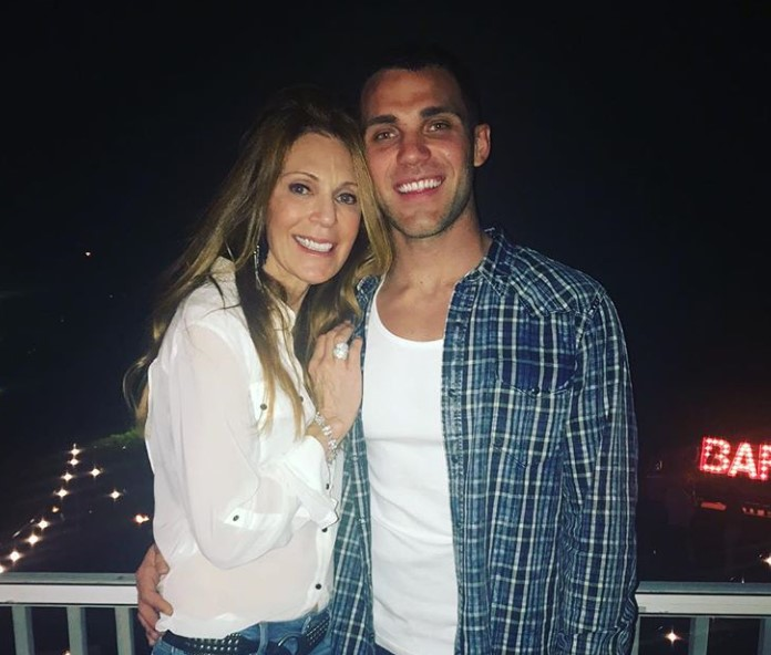 Alex Kompothecras mother