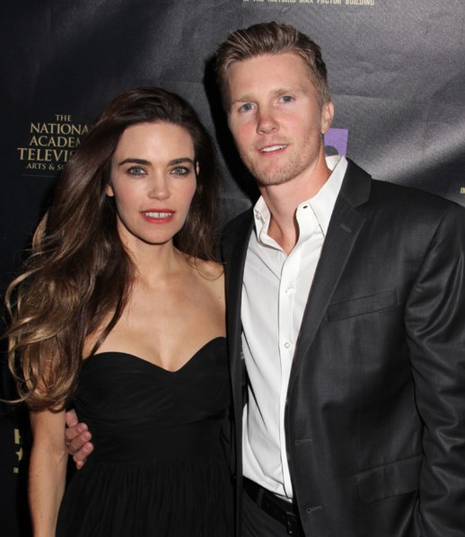 Amelia Heinle married