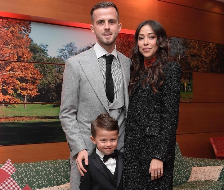 Miralem Pjanić - Bio, Net Worth, Current Team, Transfer, Contract, Salary,  Nationality, Religion, Wife, Girlfriend, Age, Facts, Wiki, Family, Height -  Gossip Gist