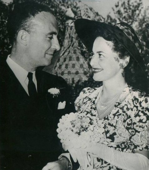 Olivia de Havilland married