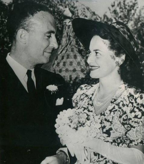Olivia de Havilland married