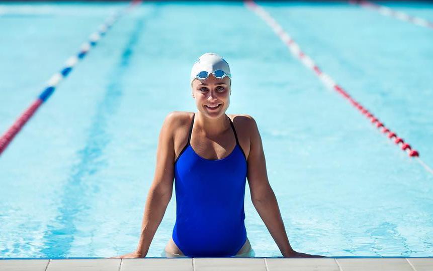 Sarah Bro, a professional swimmer