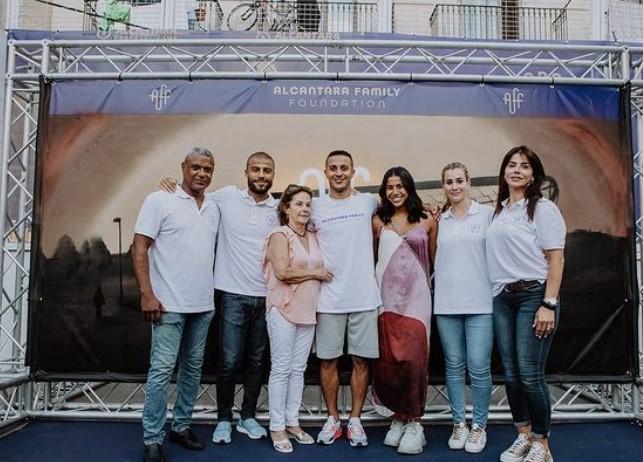 Thiago Alcantara family