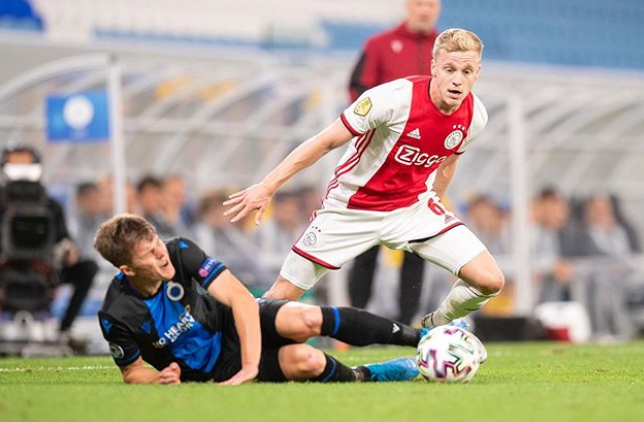 Donny van de Beek, a professional footballer