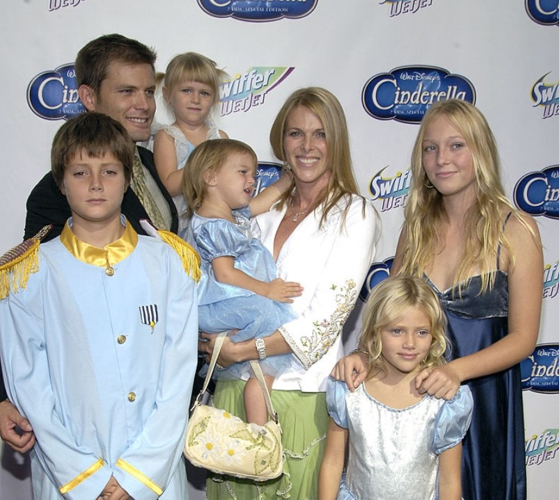 India Oxenberg family