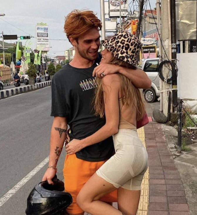 KJ Apa dating