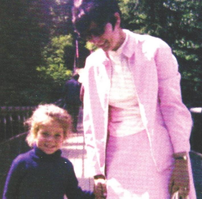 Julie Snyder mother