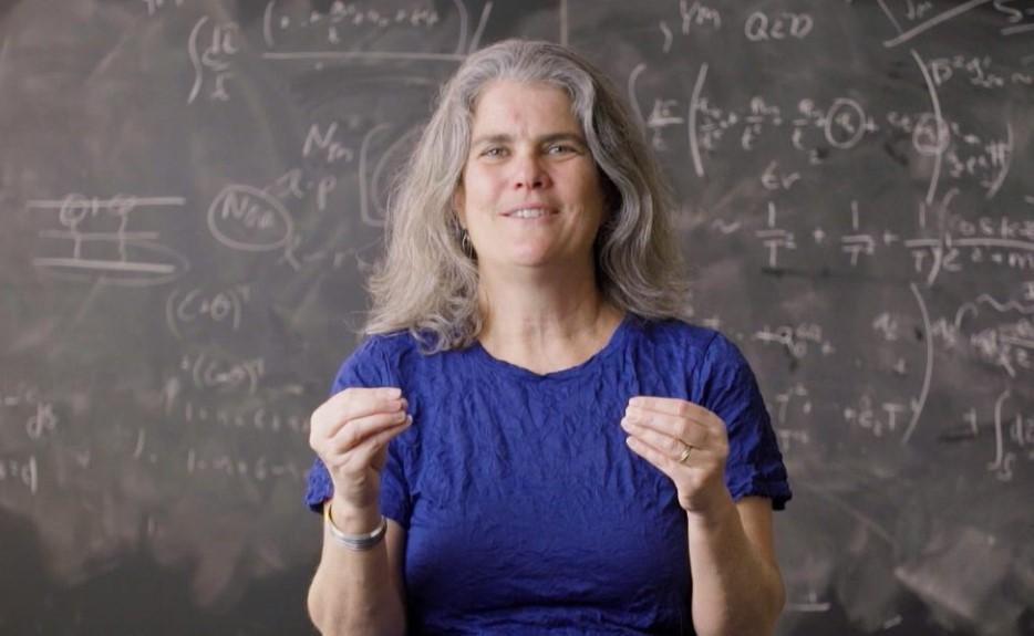 """قصة تعيين عالمة الفلك """"أندريا غيز"""" بروفسور بجامعة كاليفورنيا، زميلة ماك آرثر"""