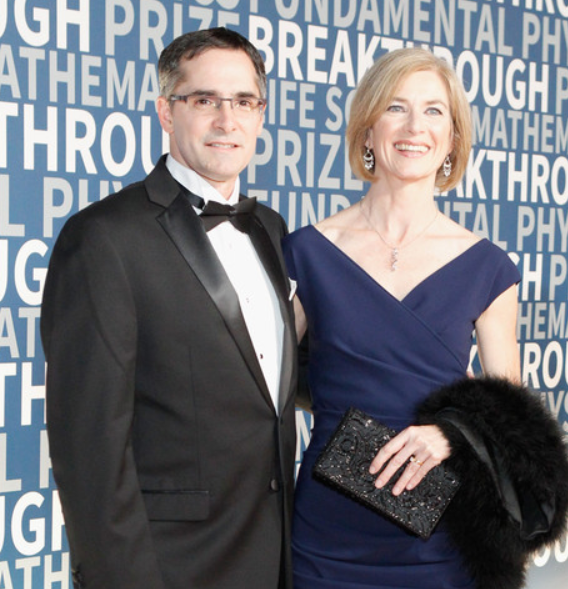 Jennifer Doudna and her husband, Jamie Cate (L)